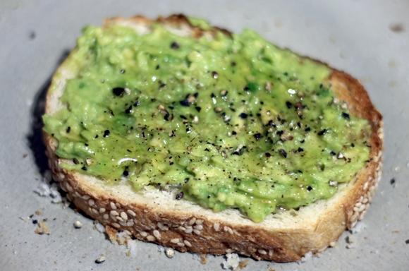 healthy snack - mashed avocado