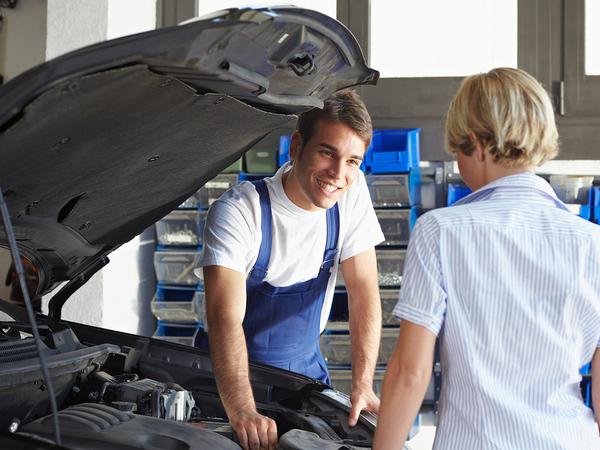 bigstock-Mechanic-5484025_600x