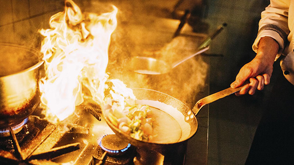 Holiday Cooking Stress: How Do I Put Out a Kitchen Fire?