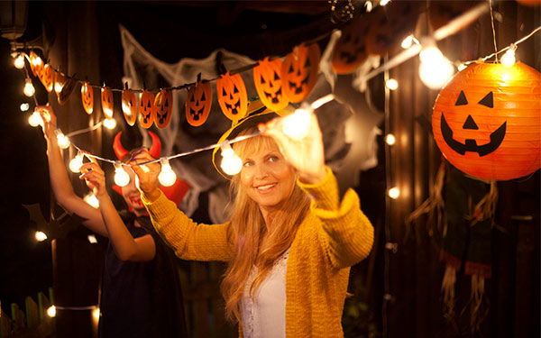 Halloween Decorations That Make Your Home Safe for Trick-or-Treaters
