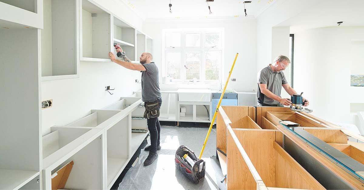 contractors remodeling kitchen