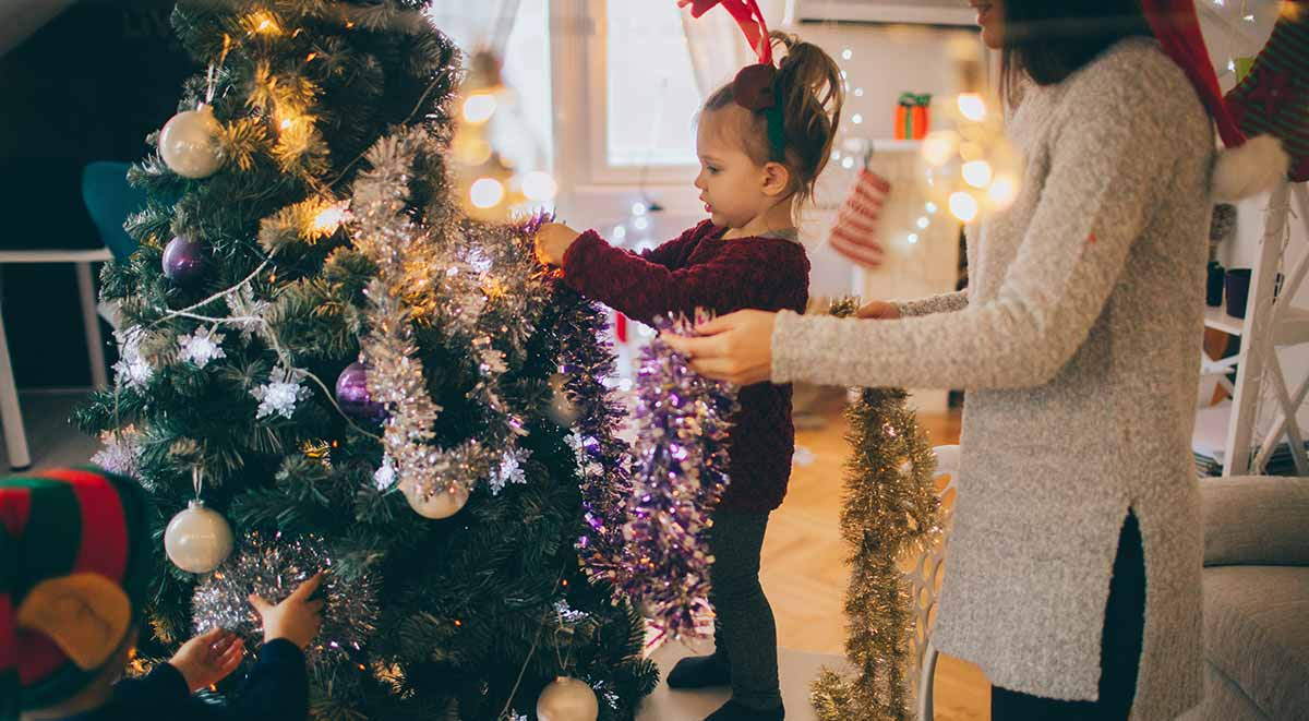 8 Affordable Ways to Decorate Your Home for the Holidays