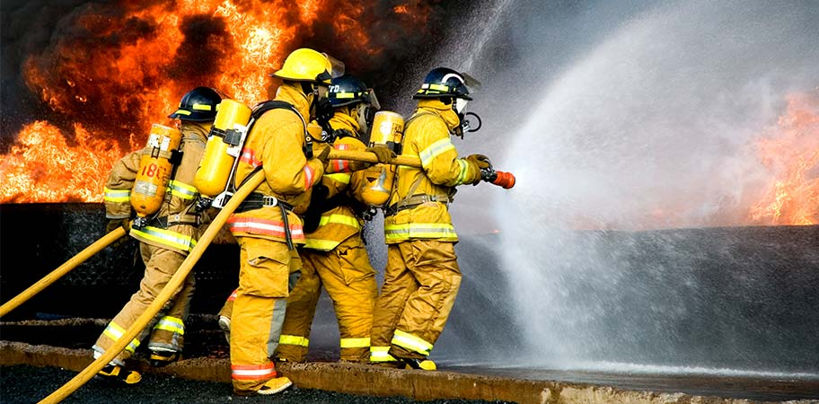 firefighters-extinguishing-fire_business insurance claim