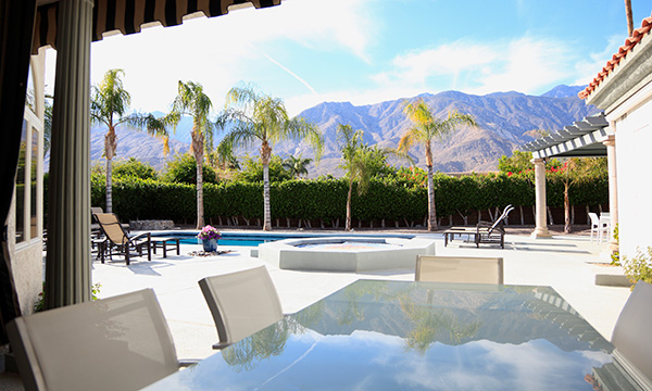 palm springs airbnb host